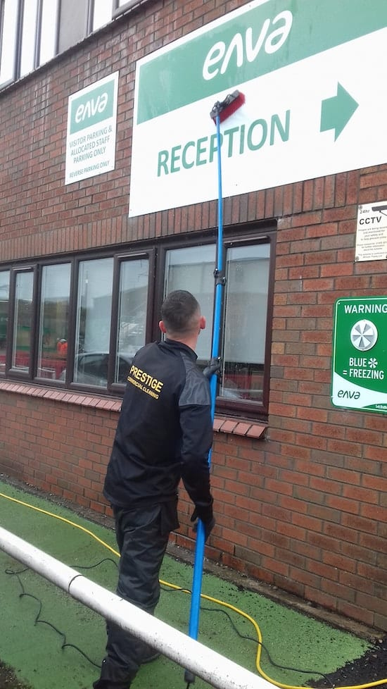 ENVA - Window Cleaning & Sign Cleaning