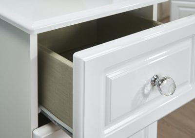Balmoral White Gloss Detail - Clyde Bed Centre